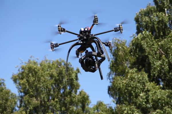 Filmning med radiostyrd helikopter
