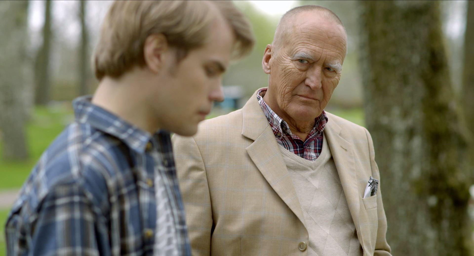 Rikard och Hans på kyrkogården